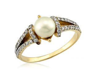 Antique Yellow Gold Pearl and Diamond Ring